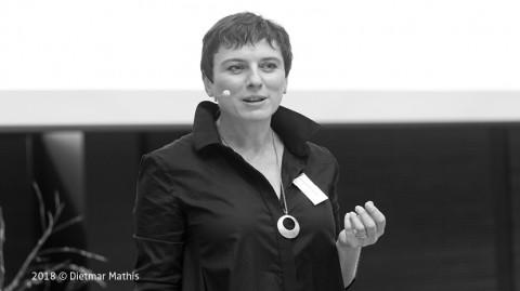 i2·0 Elisabeth Oberzaucher